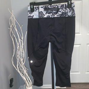 Lululemon Speed crop leggings size 6
